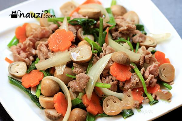 Thơm ngon bổ dưỡng với món thịt bò xào nấm   Recette ...