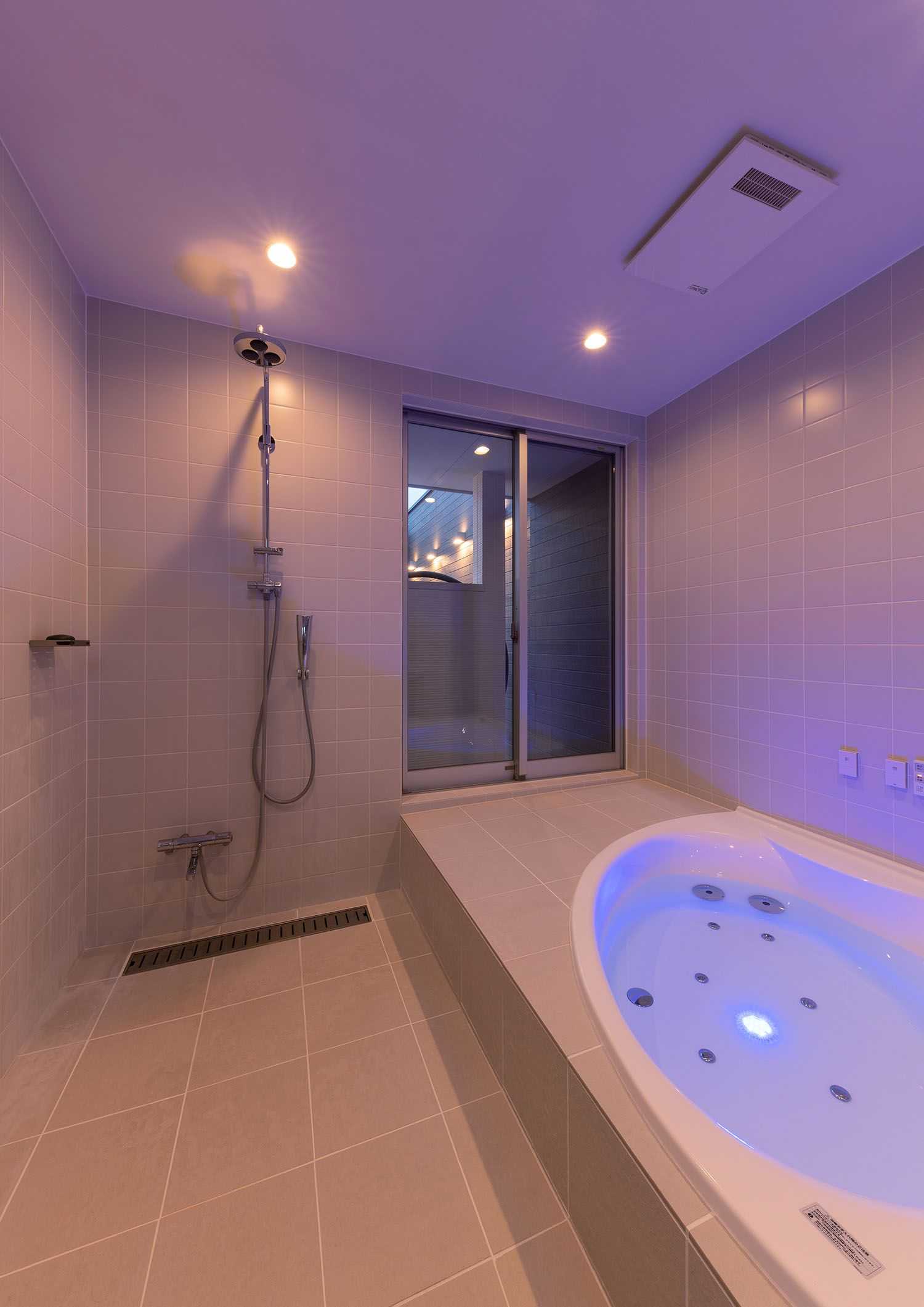 Case682 Casa De Resort 浴室 インテリア 浴室 デザイン リビング インテリア リゾート