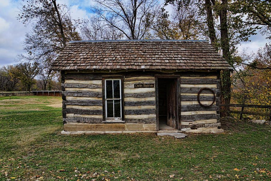 builders sheds old for kits ky log london cabins sale ohio lakeland cabin michigan in northern florida colorado