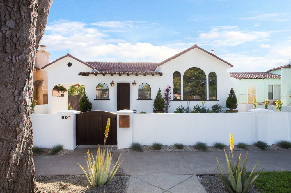 The Perfect Spanish Modern Home In Los Angeles California On Dwell In 2020 Spanish Style Homes Spanish House Spanish Revival Home