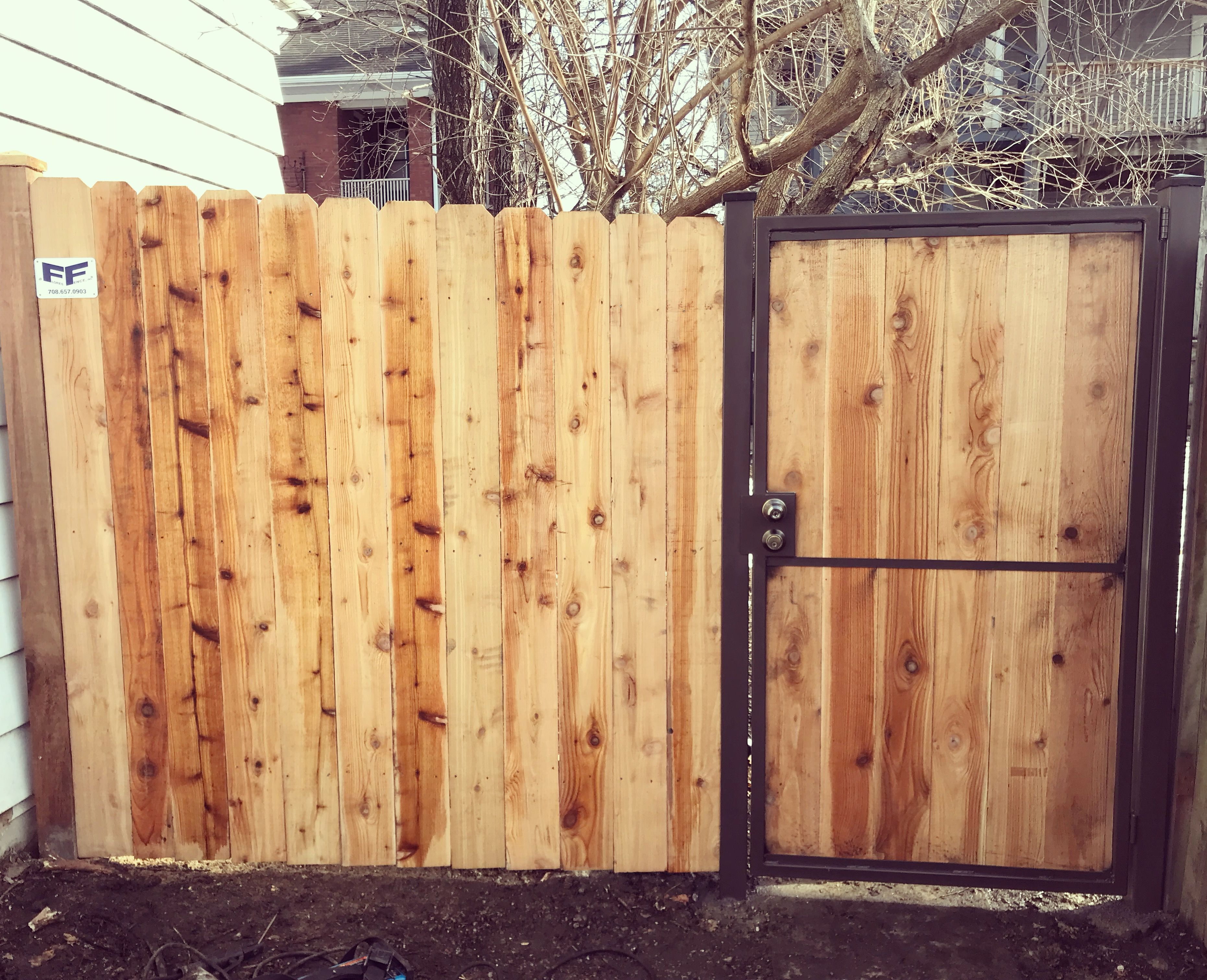 6 Red Cedar Privacy Fence With Metal Gate Frame Red Cedar Fence Wood
