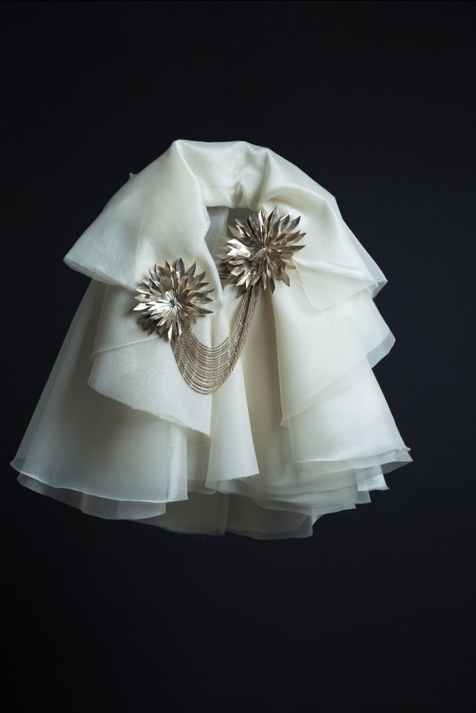 Again Krikor Jabotian with a cape fit for a princess. Can't be anything else but love forever more!
