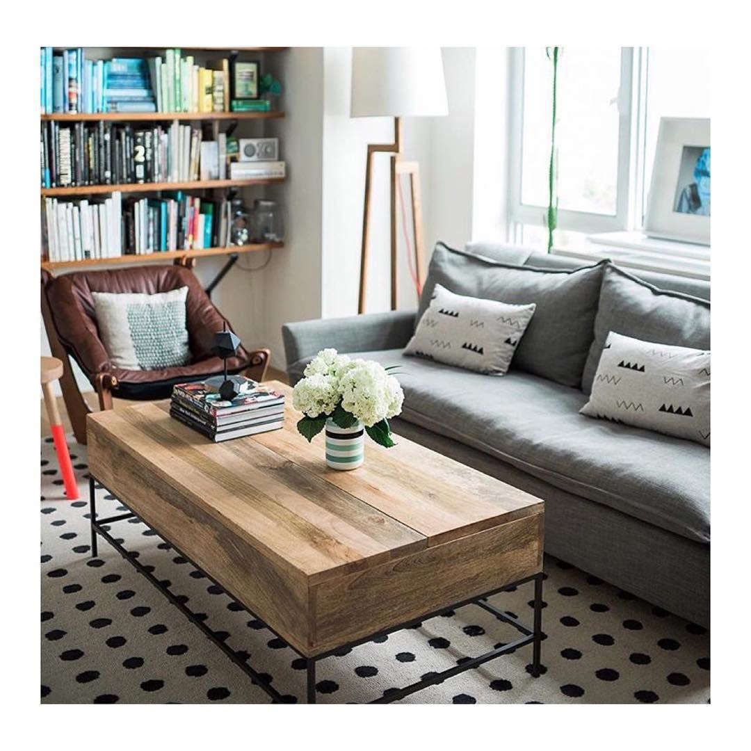 Brooklyn Brideu0027s Vané Broussard Shares An Easy Living Room Before + After.