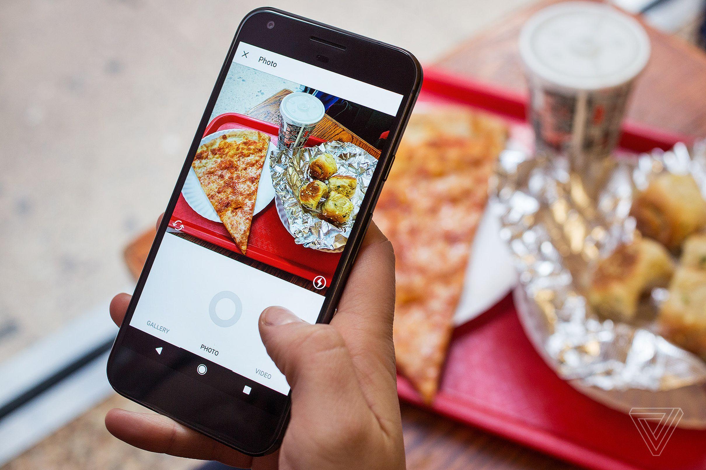 Делать рекламные картинки для инстаграм
