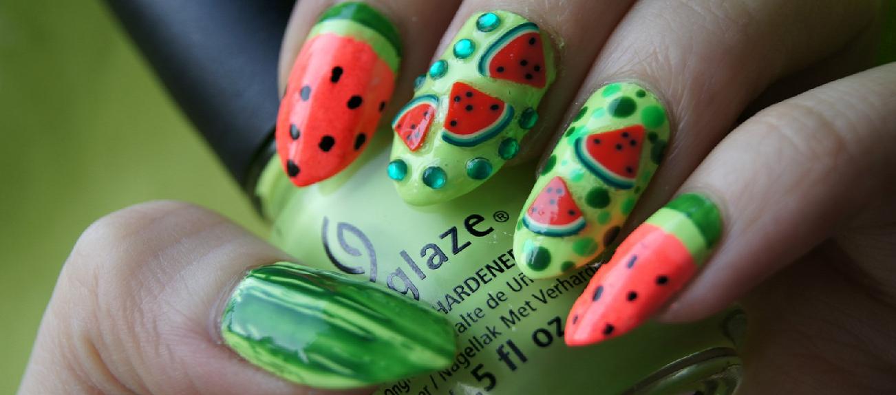 Unghie estate 2016: dalle fruits nail alle rouge black nails | Pinterest