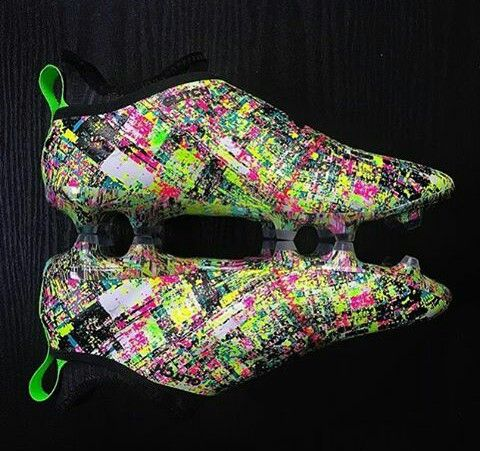 outlet store 0c940 e2055 Crazy adidas Glitch 18 Football Boots, Soccer Boots, Adidas Football,  Soccer Cleats,