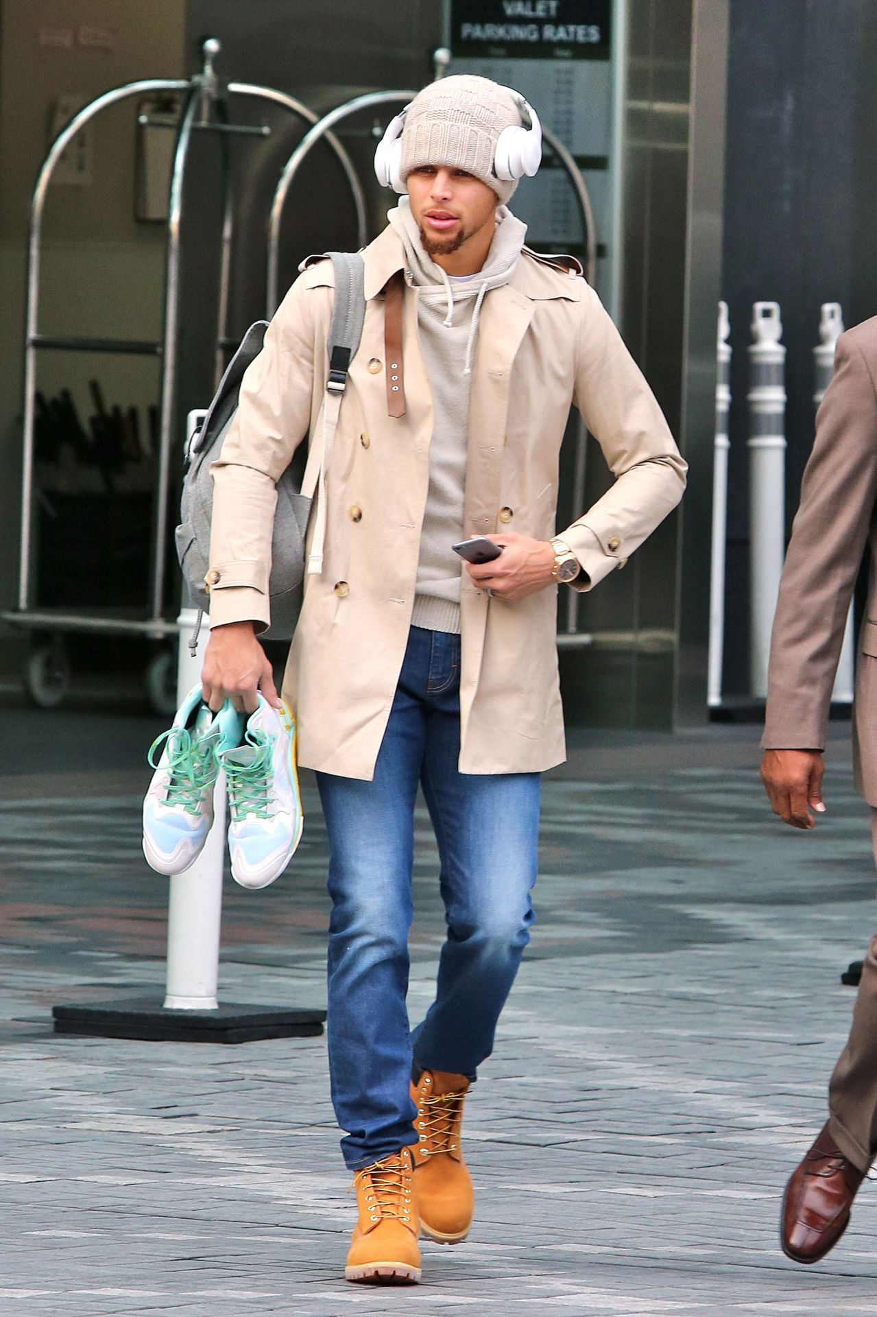 celebritiesofcolor: Stephen Curry out in Toronto - D E N N Y ...