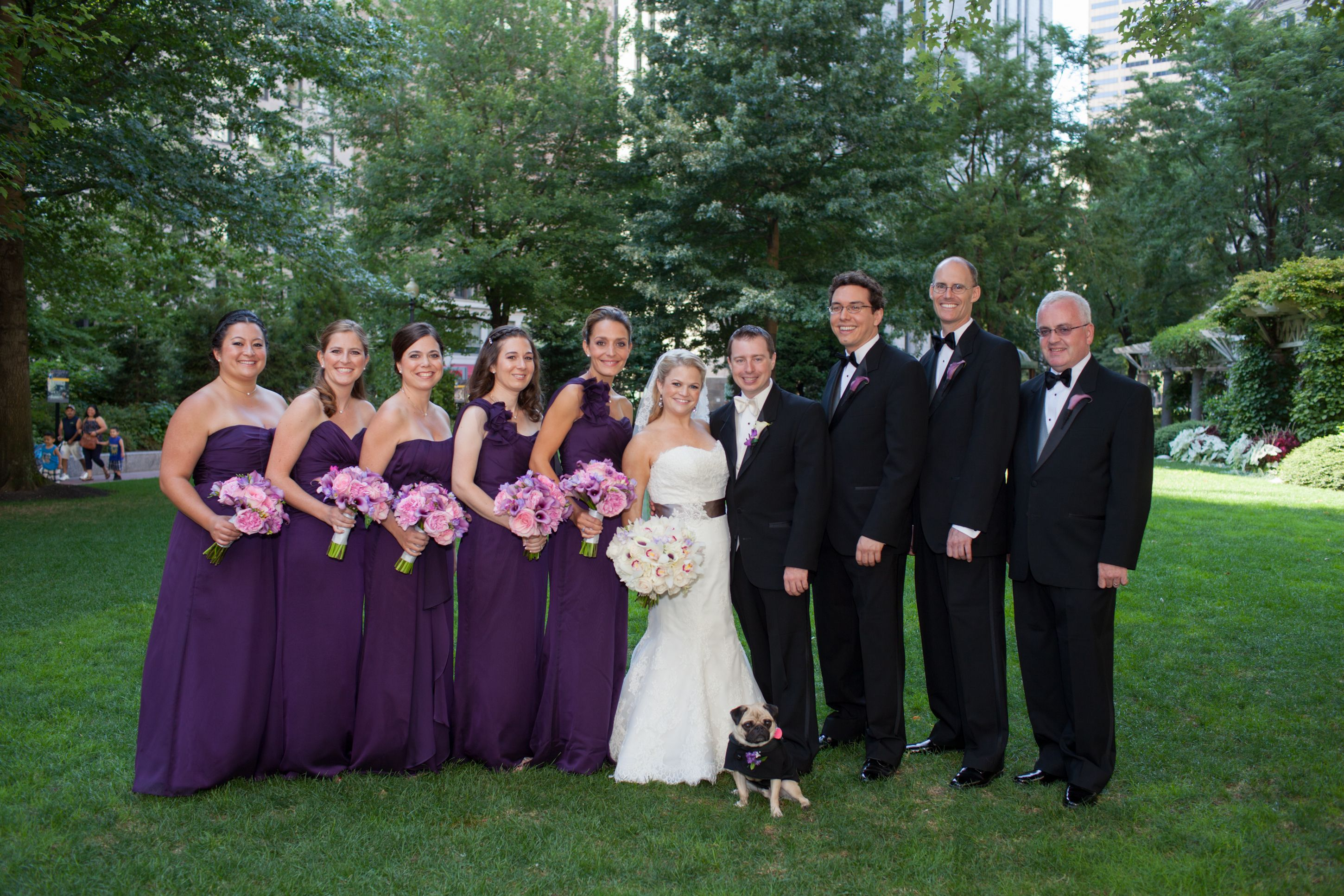 Bridal Party Photos On The Green With Beanpot Jlm Weddings