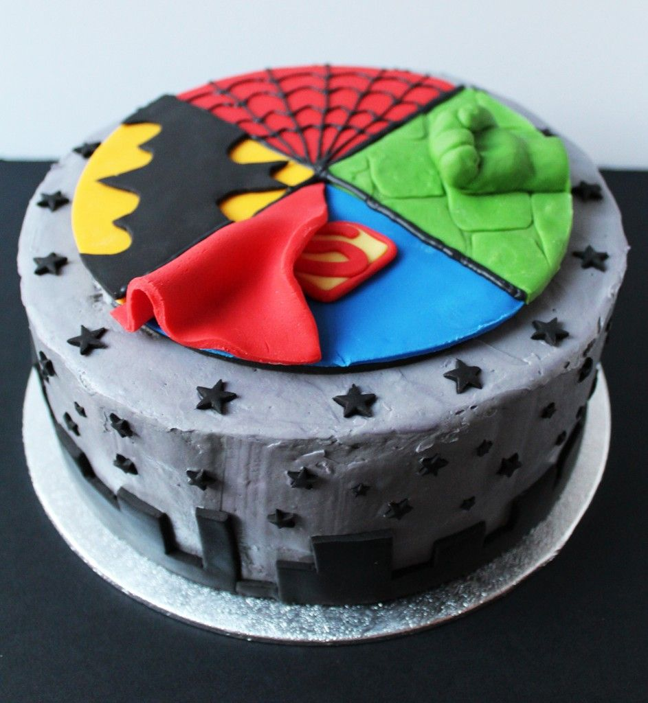 1000 ideas about superman cakes on pinterest batman cakes - Superhero Birthday Cake