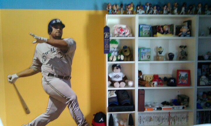 Brewer baseball bedroom 1