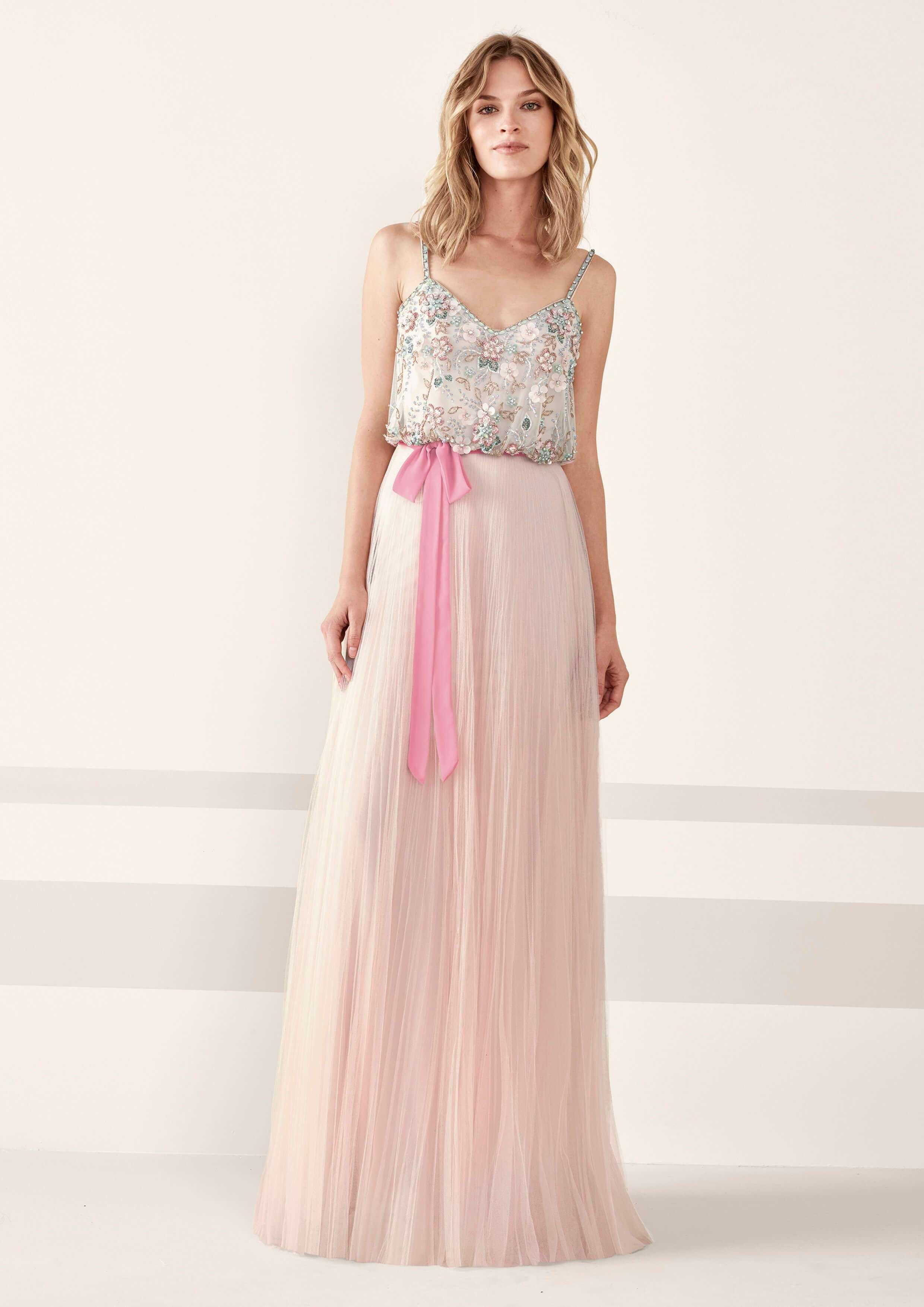 Pronovias presenta su nueva colección de vestidos de fiesta para ...