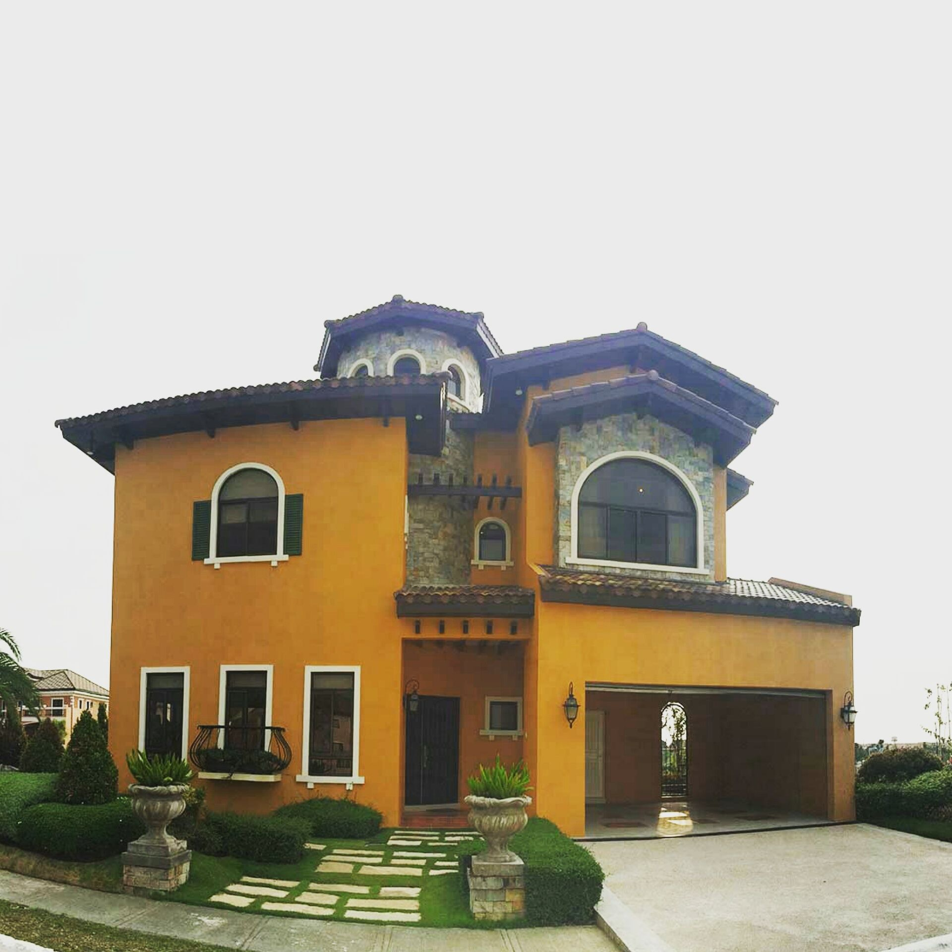Raphael model house ready for occupancy in portofino south lot area is 303sqm and