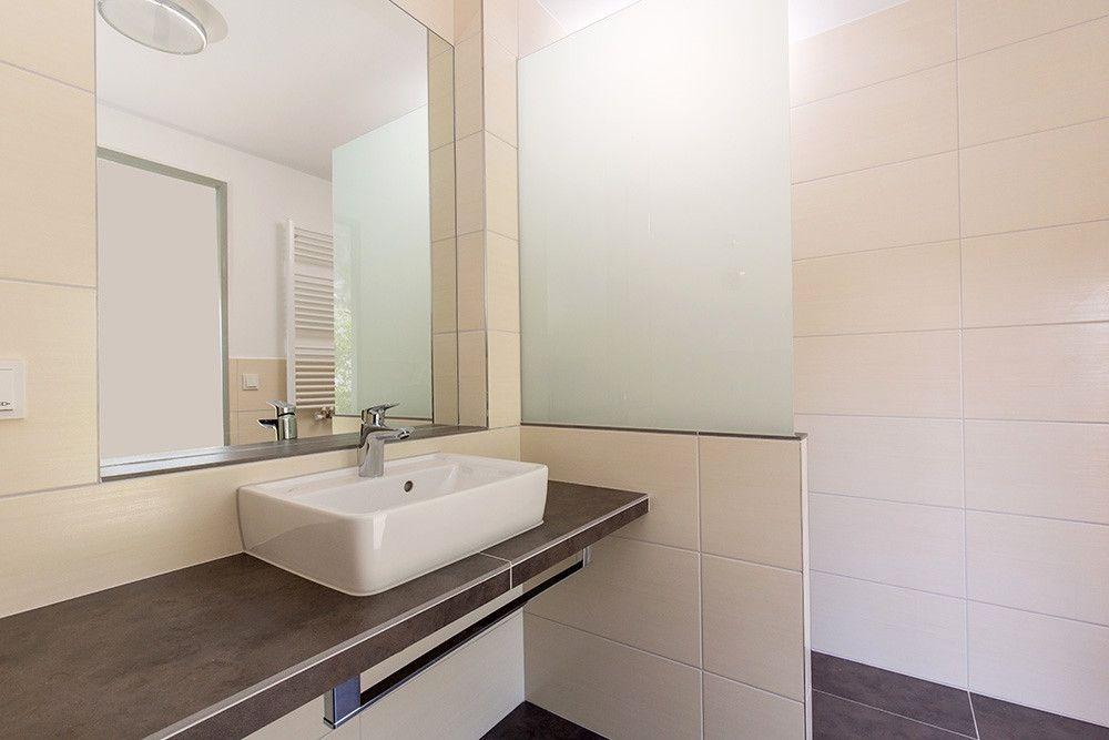 Folie Fur Badezimmer Fliesen Collection In 2020 Framed Bathroom Mirror Bathroom Mirror Lighted Bathroom Mirror