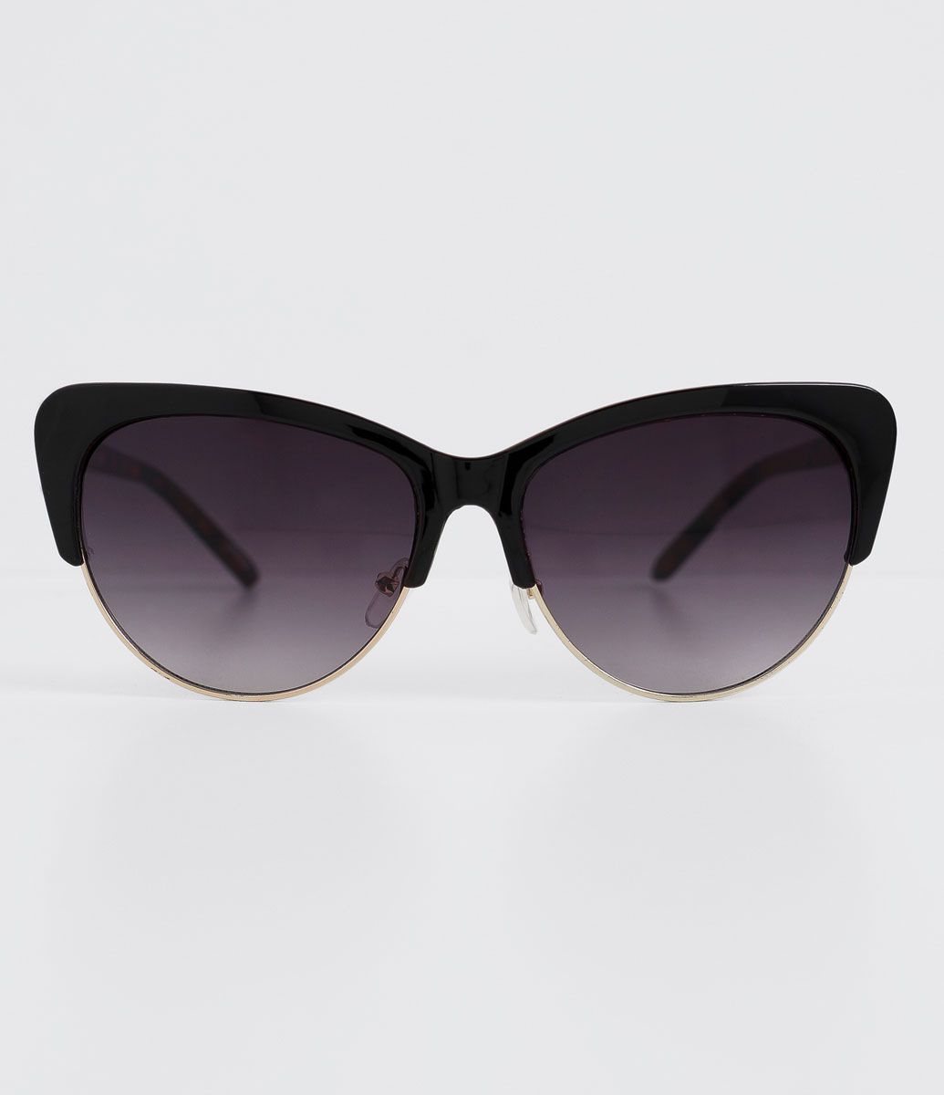 a229b2a7bd890 Óculos de sol feminino Modelo gateado Hastes em acetato Lentes em acrílico Proteção  contra raios UVA