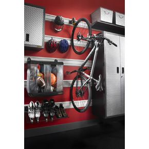 Gladiator ClawTM Advanced Bike Storage V30 Cleaning Out The