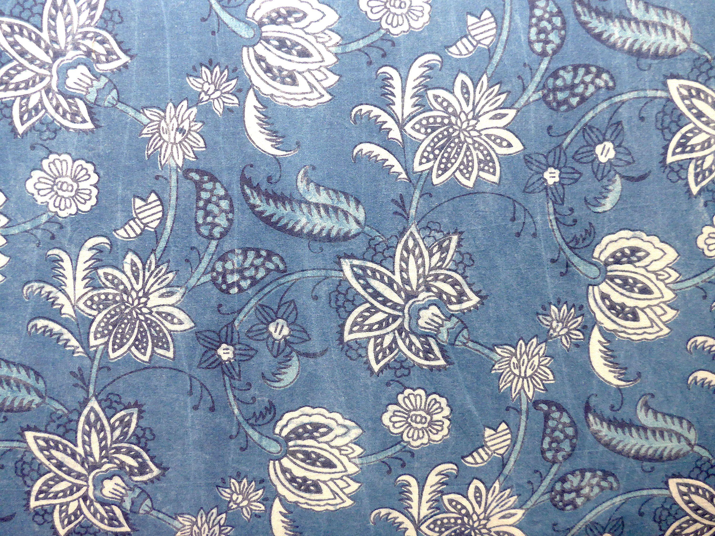 Stoff Blumen Der Nacht Auf Hellem Indigo Blockprint Indien Indischer Baumwollstoff Ethno Boho Muster Floral Blau Weiss Meterware Stoff Fabric Textiles