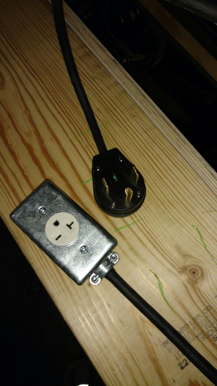 220v extension cord. I\'ve recently moved and I only have my ...