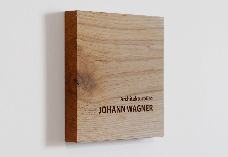 Photo of Namensschild aus Holz Eiche Natur mit individueller Gravur, Türschild aus Holz personalisiert,
