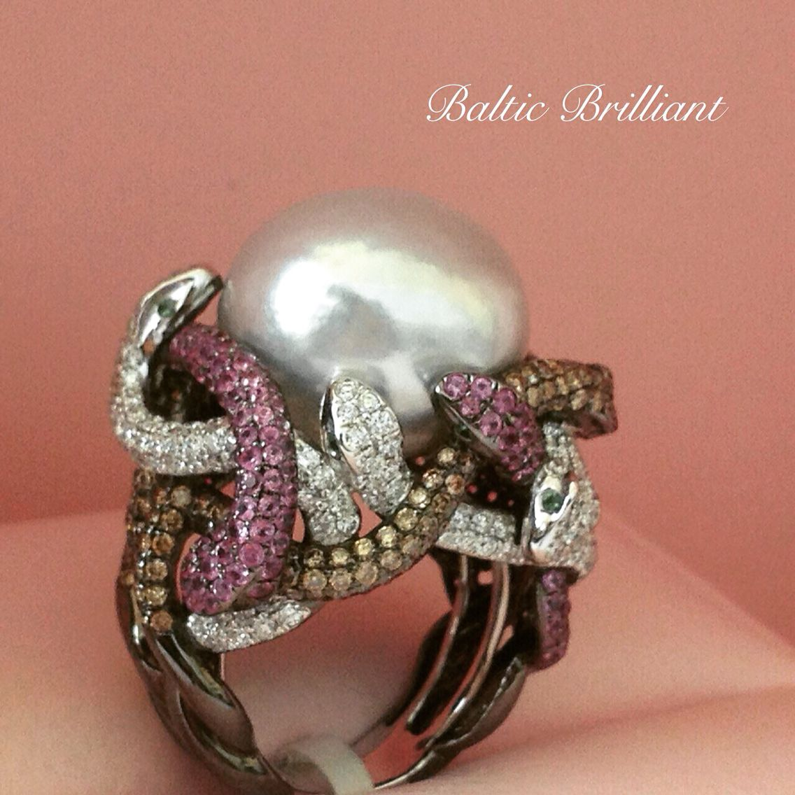 Marvelous Big Ring in 18K Gold with Diamonds and color stones #balticbrilliant #pearl #diamond #gems #ring