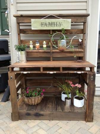 Fabulous design idea for a pallet potting bench. www.ContainerWaterGardens.net