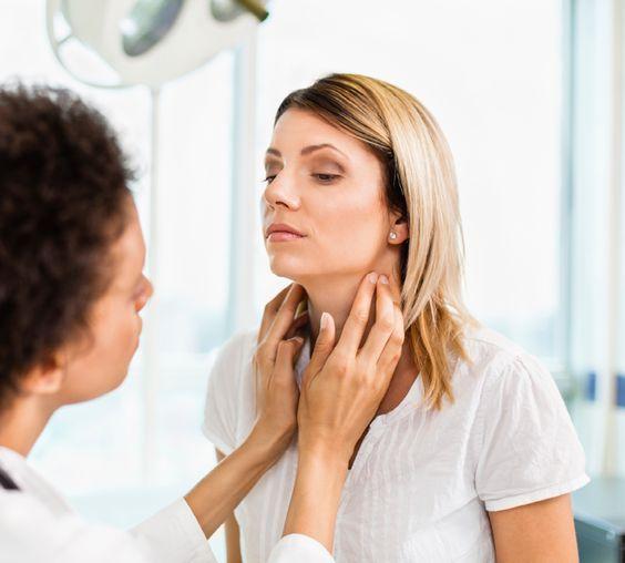 Halsschmerzen: Ursachen und Mittel zur Linderung..