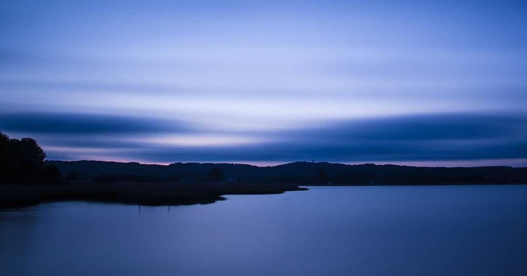 #blue #black #art #inselrügen #mecklenburgvorpommern #mvliebe #germany #longexposure #Canon #picoftheday #nature #landscape #instagramde #instanature #wirsindinsel #nordlotsen #sea #water #clouds #running by strand_raeuber