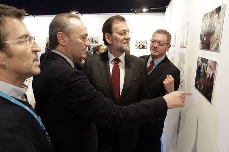 Alberto Fabra junto a Mariano Rajoy, Alberto Ruiz Gallardón y Alberto Núñez Feijoo en el Congreso Nacional del PP en Sevilla.