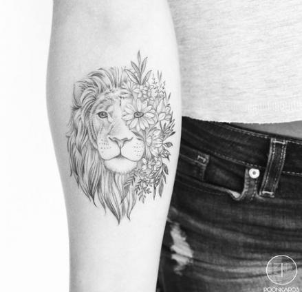 New Tattoo Lion Thigh Ink Ideas Tattoo Tattoos Back Tattoo Trendy Tattoos