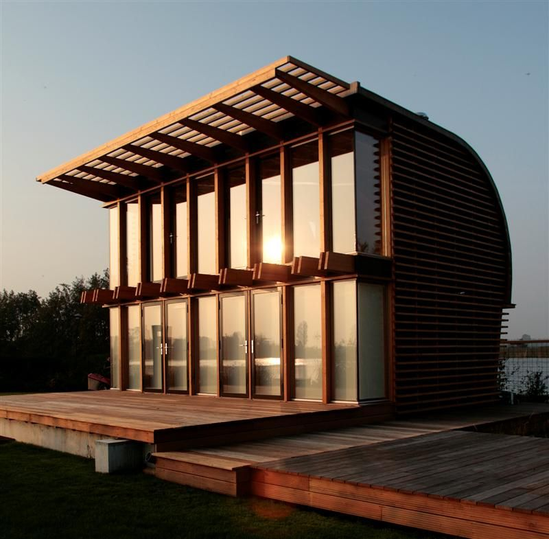 Braaksma & Roos architecten Reeuwijkse plassen, summerhouse in wood and copperplating.