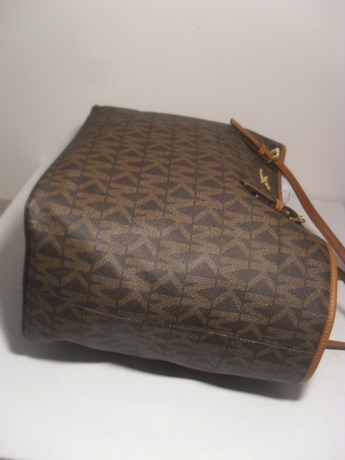 d3d578a9c2cd NWT Michael Kors Jet Set Brown MK Signature Carryall PVC Large Tote Shopper  Bag  127.55 https