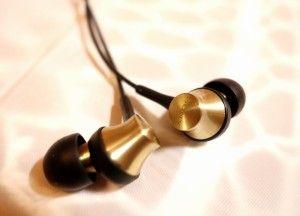 Best bass earbuds under 100