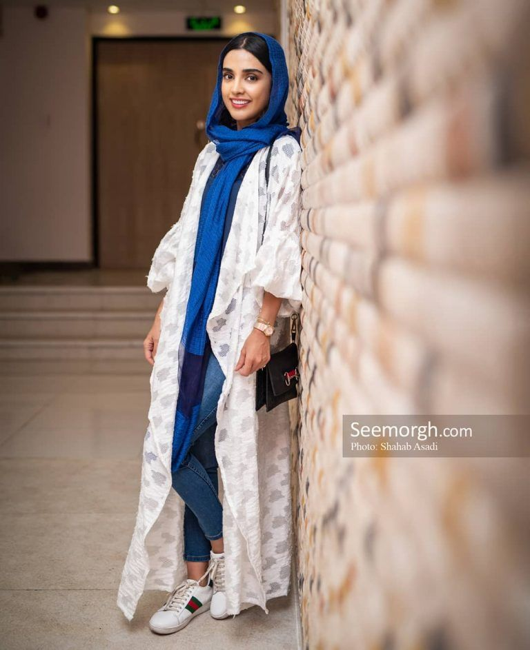 الهه حصاری جشن امضاء و رونمایی سریال ممنوعه Elahe Hesari Abayas Fashion Fashion Iranian Girl