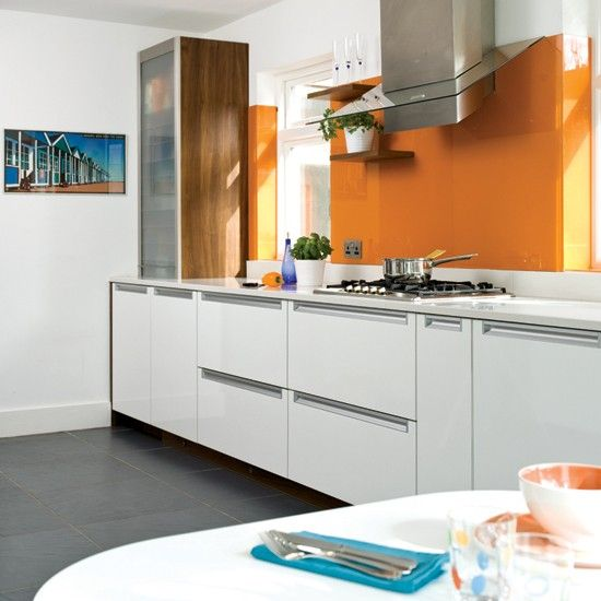 Make Your White Kitchen Really Stand Out By Adding A Striking