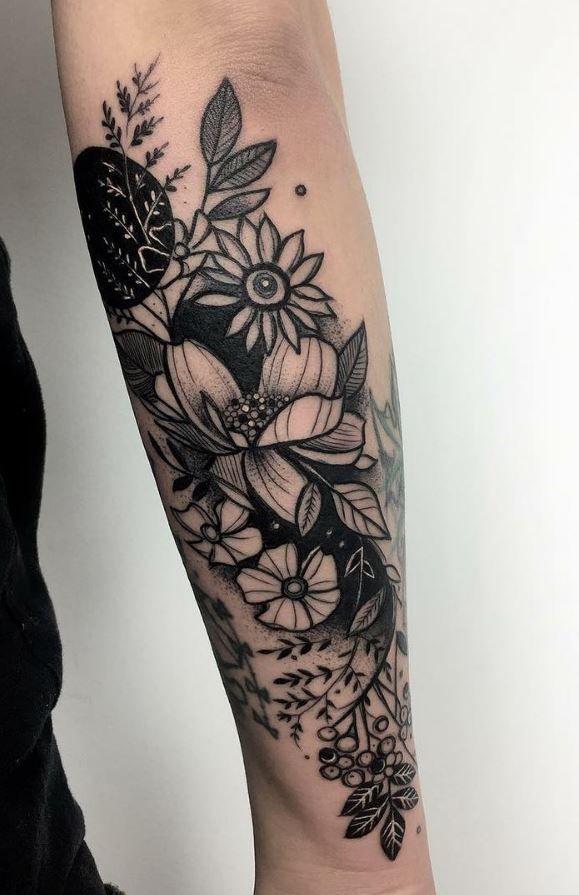 black flowers tattoo tattoo pinterest tattoos flower tattoos