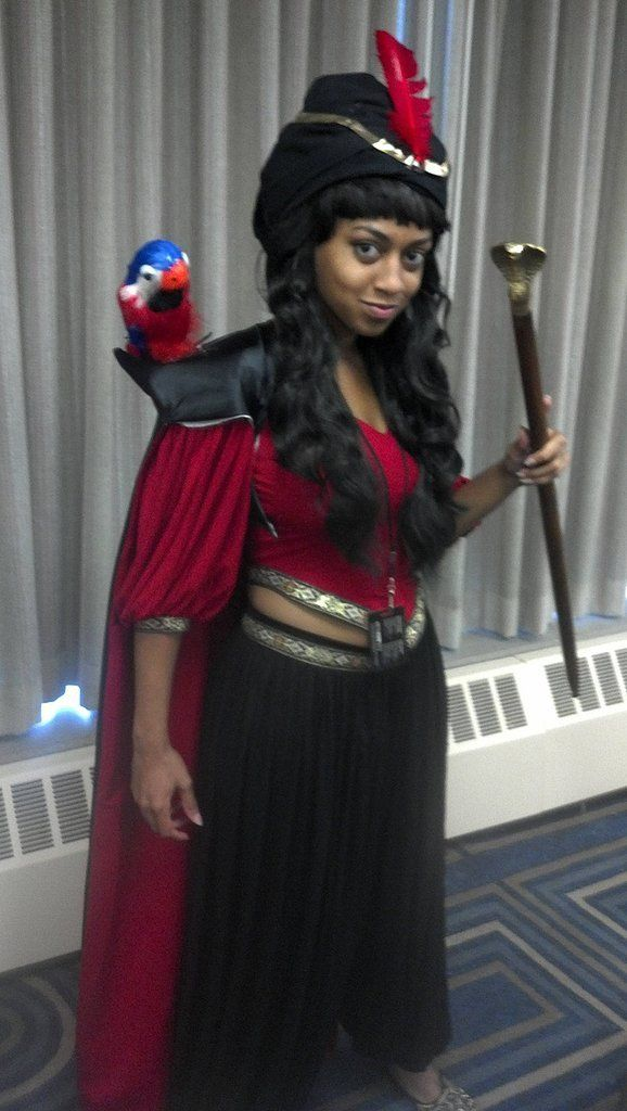 The evil magician costume wouldnu0027t be complete without Iago on  sc 1 st  Pinterest & Wicked-Awesome Disney Villain Halloween Costumes | Costumes ...