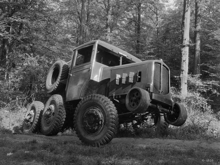 camion tracteur renault travaux forestiers 22 cv   photographe