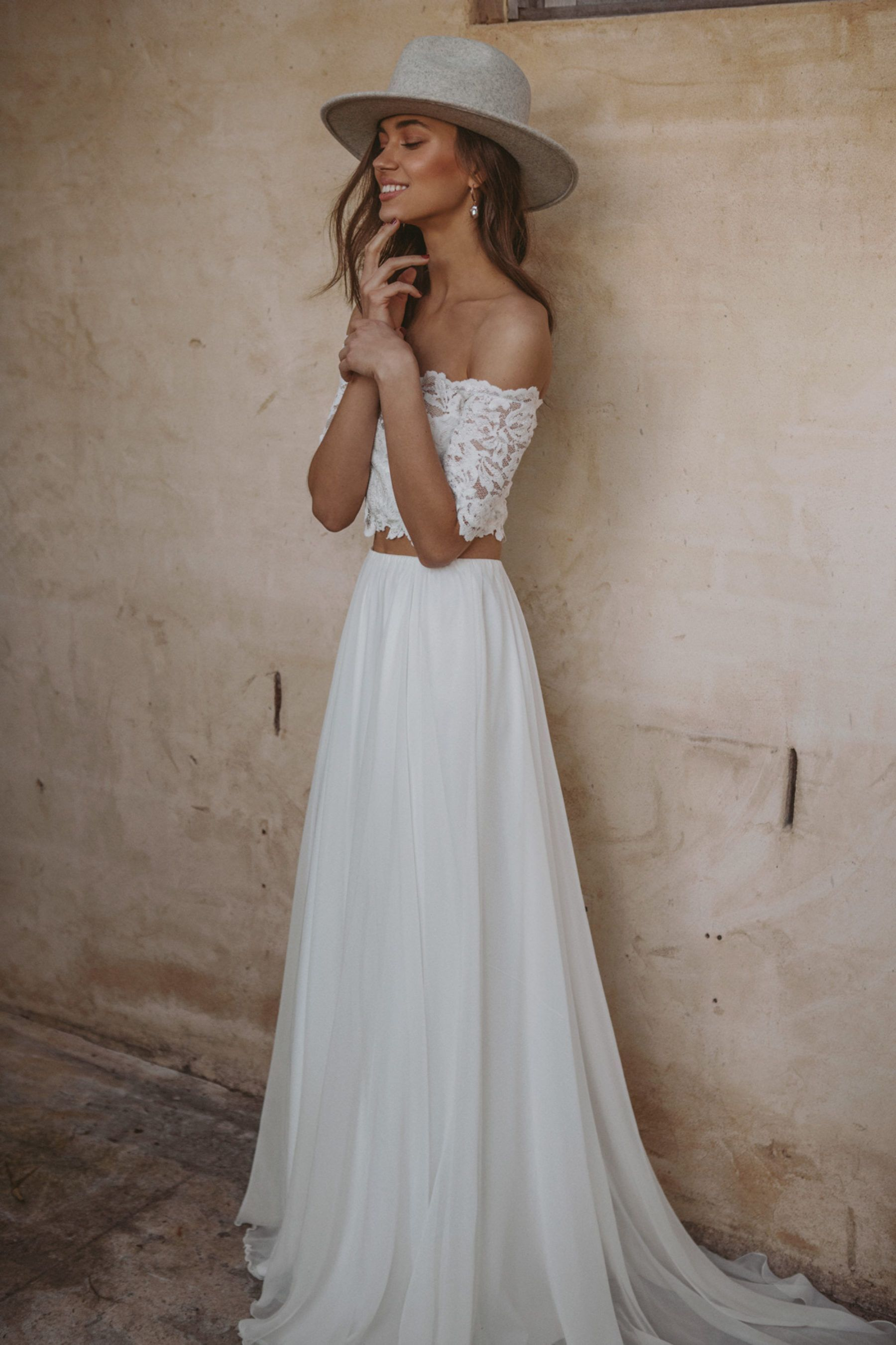 Les Deux By Grace Loves Lace Nouba Com Au Two Piece Wedding Dress Online Wedding Dress Shopping 2 Piece Wedding Dress