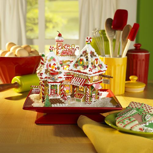 Department 56 North Pole Village Christmas Sweet Shop
