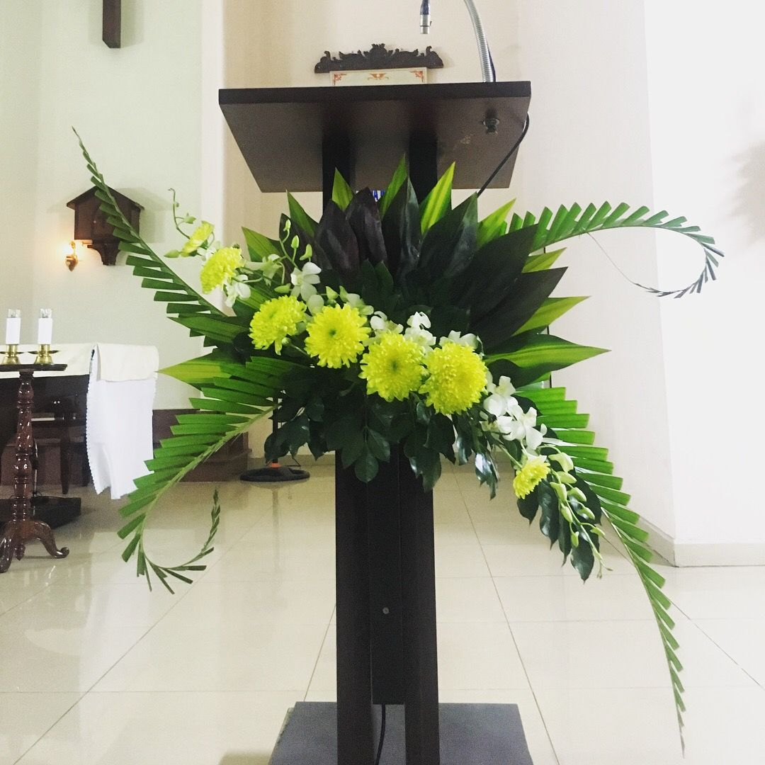 Wedding Altar Design Resource: Flower Arrangements