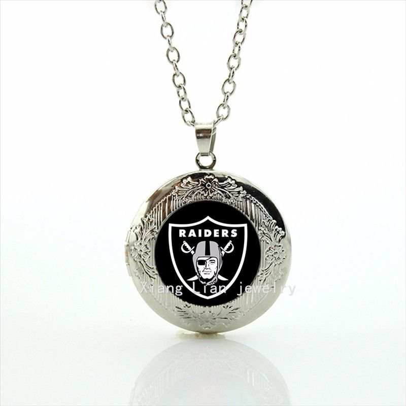 huge selection of fc2c4 95c9c Vintage Classic Jewelry Locket Necklace Oakland Raiders ...