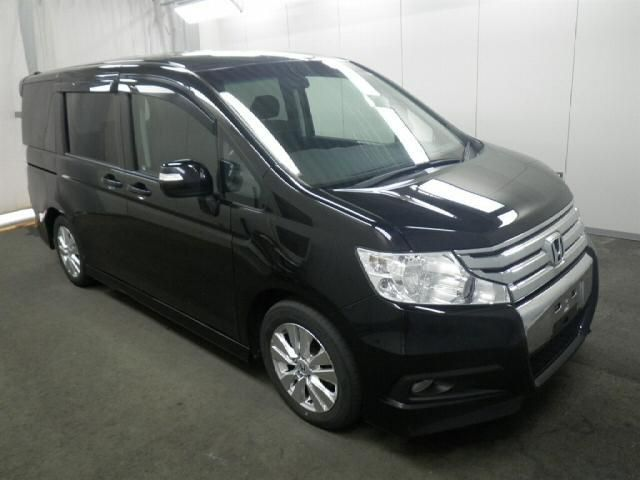Honda Step Wagon Z Chassis: RK5-1027937 Model No: RK5 Transmission: DAT Displacement (cc) 2000 Seat / Doors: 8 / 5 Fuel: Petrol (G) Year of Man: 2010/8
