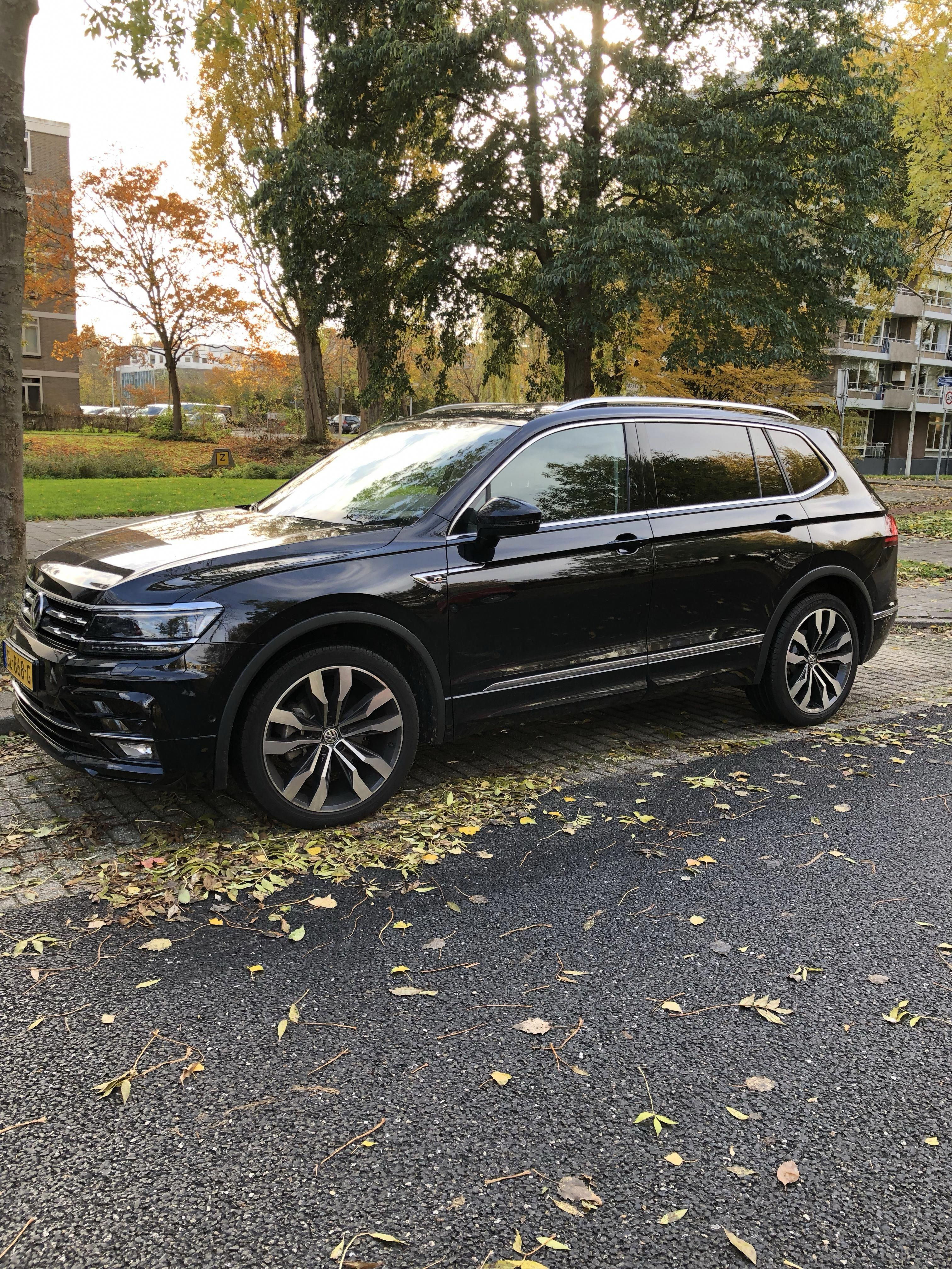 One Of The Few Tiguan Allspace R Line In The Netherlands Vwtiguan Volkswagen Volvo Suv Tiguan R Line