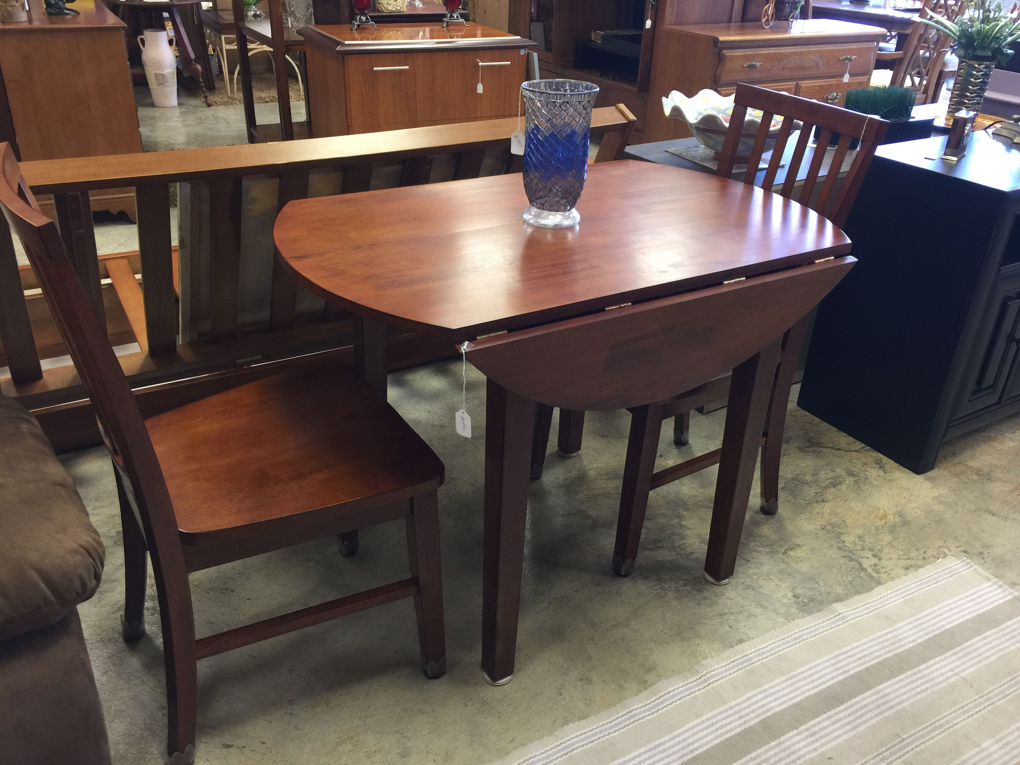 Drop Leaf Table And Two Chairs 175 Buy Online At Mkconsignment