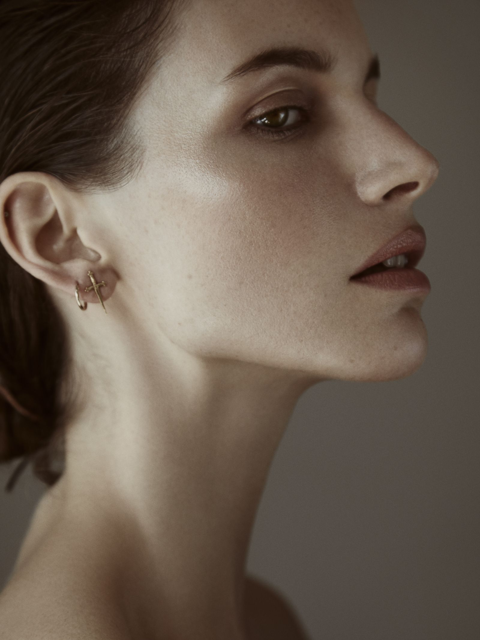 Claire Plekhoff / Makeup artist based in Paris - BEAUTY