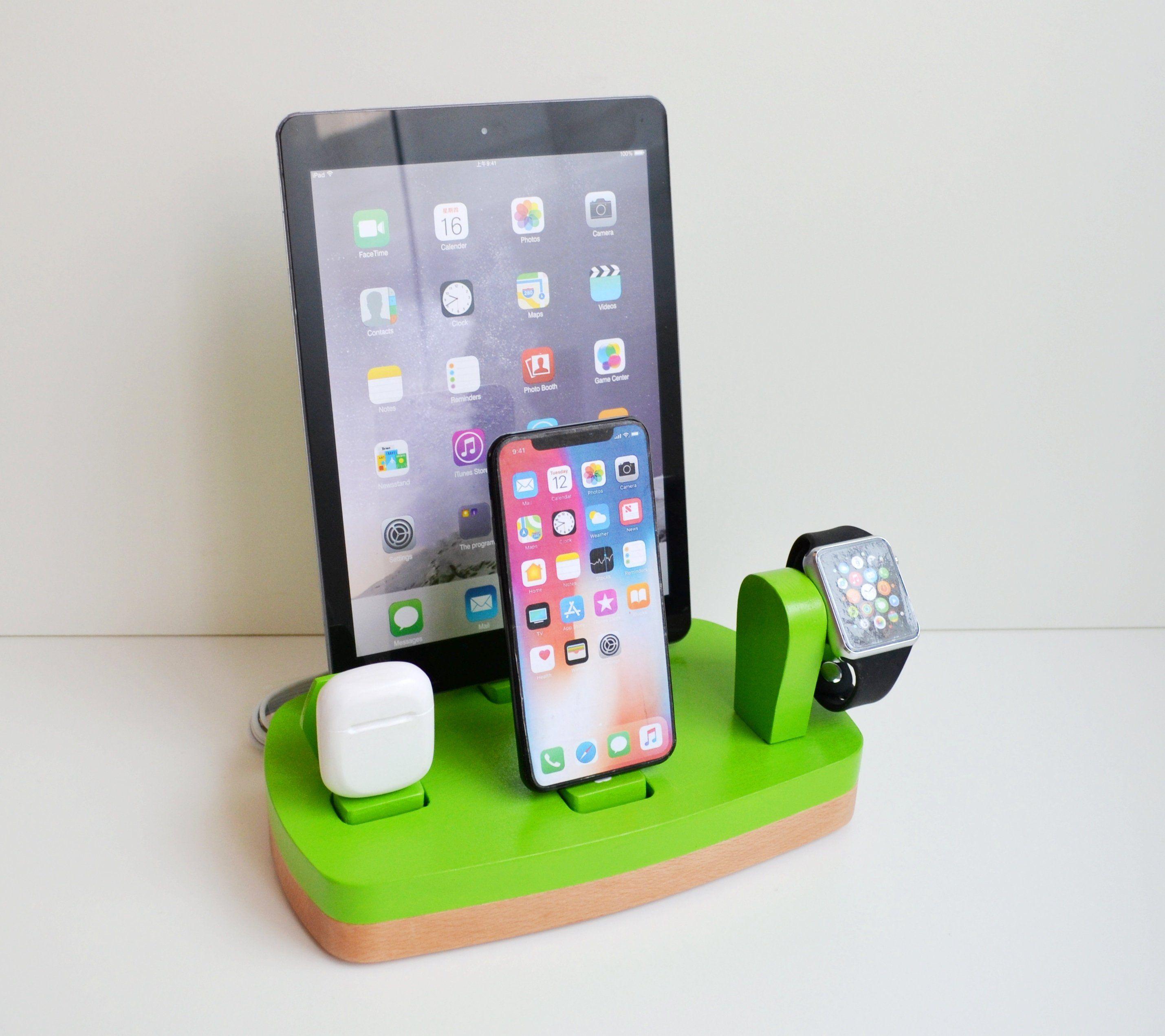 Idoqq Quatro Multi Device Ladestation Und Organizer Docking Station Fur Iphone Apple Watch Airpods Und Ipad Kiwi Grun Und Buche Iphone Ladestation Ipad Mini Apple Zubehor