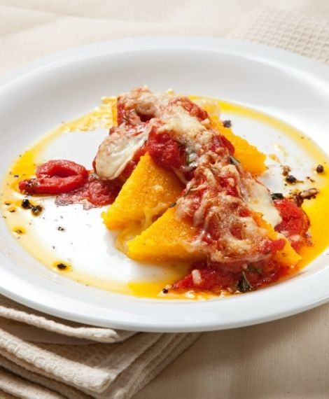 Polenta asada con salsa de pimentones y queso. Recetas Express de LIDER