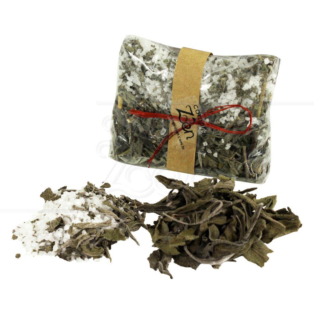 Banho De Ervas Naturais Preparado Artesanalmente A Salvia Salvia Officinalis E Usada Em Muitas Culturas Como Uma Maneira Banho De Ervas Ervas Naturais Ervas