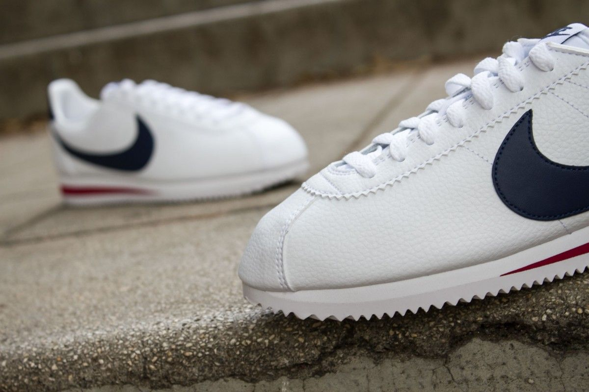 NIKE CLASSIC CORTEZ LEATHER WHITE MIDNIGHT NAVY www.cornerstreet.fr