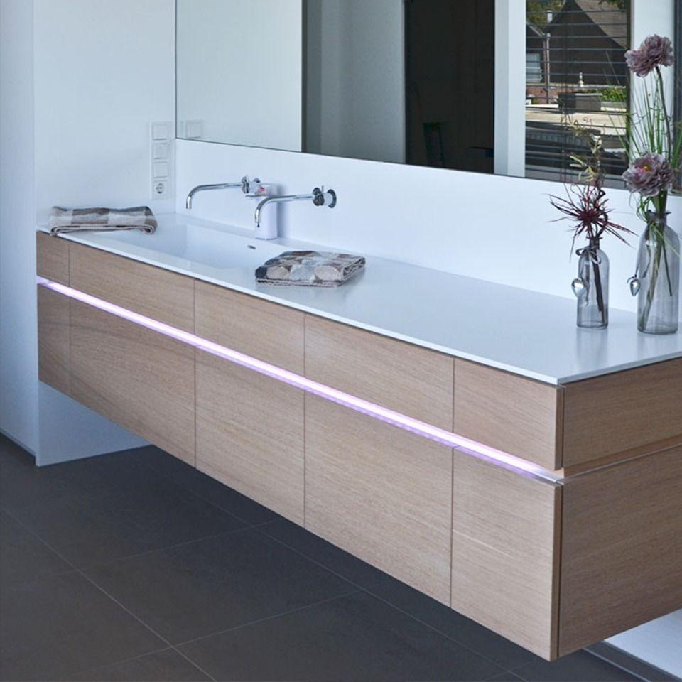 Waschtisch Mit Beleuchtung In 2020 Led Lichtband Waschtisch Bad