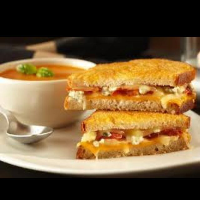 Grilled Cheese Sandwich With Tomato Soup From The Yard House My Fav Food Cooking Recipes Soup And Sandwich